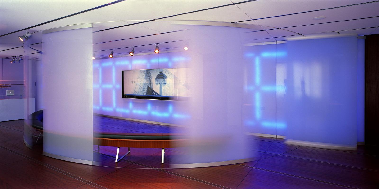 T systems interior design briefing center inmc for Interior design frankfurt